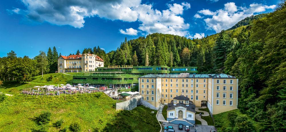 Blick auf das 4-Sterne Hotel Rimski Dvor und die angeschlossene thermalanlage.