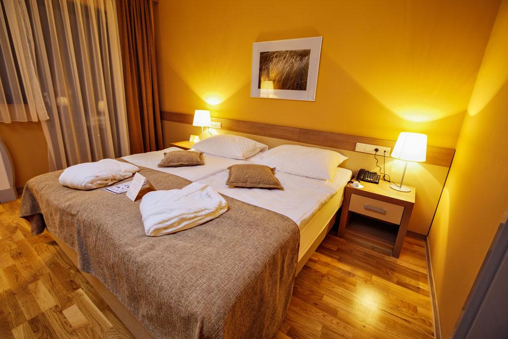 Gemütliches Zimmer im Hotel Breza, Slowenien